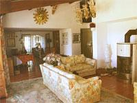lounge_sofa_fire_zoom.jpg (98547 Byte)